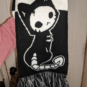 Skeleton cat scarf